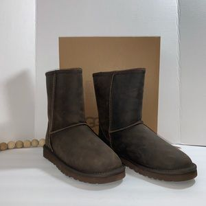 Ugg Leather classic boot  Brown